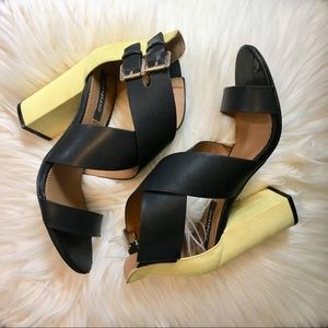 🐝Black and yellow janiah sandals🐝